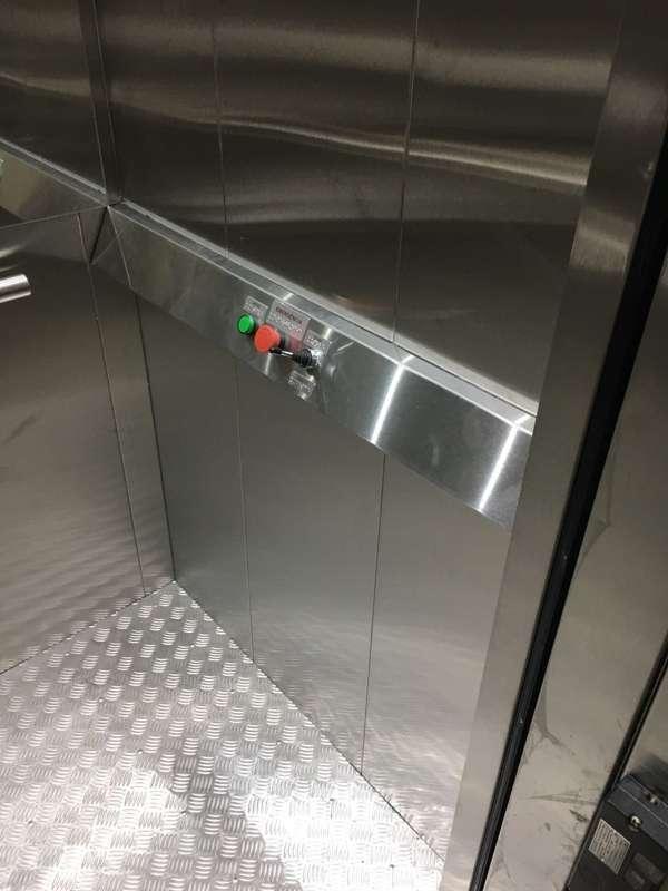Plataforma elevatória de acessibilidade