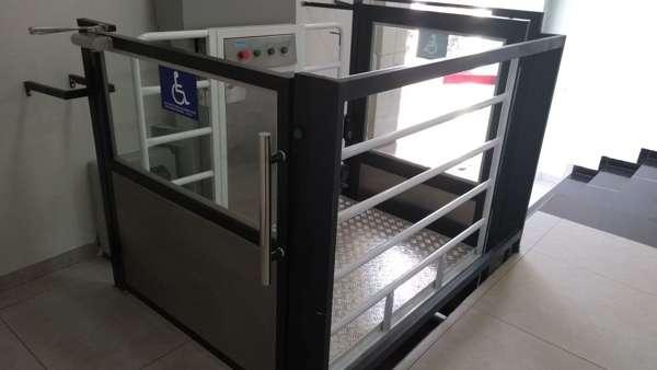 Rampa de acessibilidade para deficientes